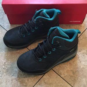 New Balance Women's Shoes Boots Size 5 2E X-Wide